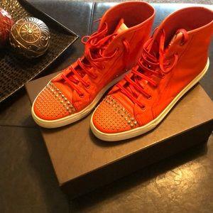 🔥🔥Orange Gucci sneakers!
